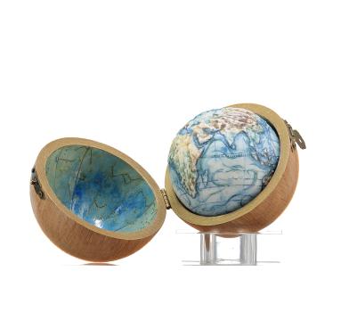 Ocean Currents (Natural Oak Pocket Case with Azure Celestial Interior)